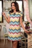 Rochie lejera cu imprimeu geometric colorat