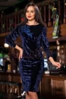 Rochie midi din catifea bleumarin accesorizata cu flori 3D